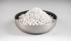 CALCIUM SILICATE (a posh white cat litter)